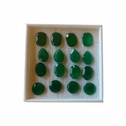 天然绿色的onyx石头,为珠宝