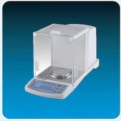 Analytical Balance With Internal Calibration