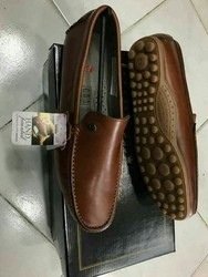 Men Slipper. Loafer an shoes Leather Shoes, Size: 40 to 45