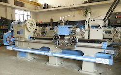 Roll turning lathe machine