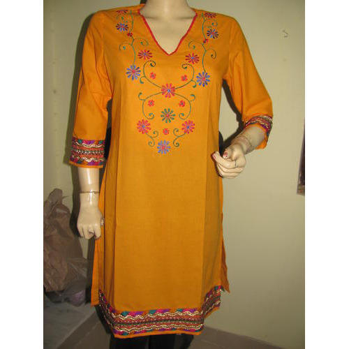 3 4th Sleeve V Neck Hand Embroidered Kurti Rs 1500 Piece Id