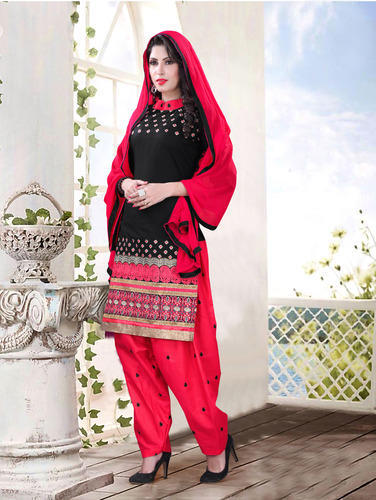 5bb444eb93 Indian Suits - Latest Patiyala Suit Manufacturer from Surat