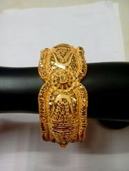 Elegant Bangle Design