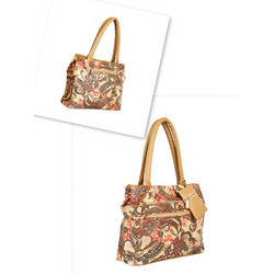 Pu Leather Shoulder Ladies Handbag, For Casual, 100 - 200 Gm
