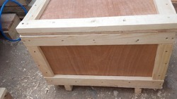 Edible Termite Resistant Pine Wood With Plywood Box, For Furniture, Box Capacity: 1000-2000 Kg