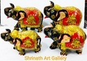 Up Trunk Elephant Wooden Gold Painted Elephant Set, Size: 3