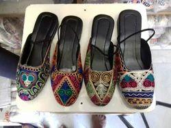 Ladies Embroidery Footwear, Size: 8to13 10to1612to17 1 Eachdezine Set 8pair