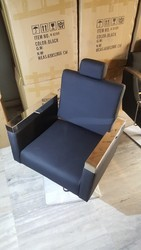 Hero Unisex Salon Chair