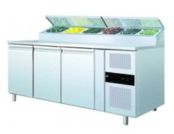 Refrigerated Counter Top Display With SS Cover