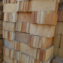 Rectangular Clay Fire Brick Blocks, Size: 9 In. X 4 In. X 3 In., Packaging Type: Loose