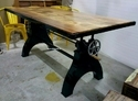 Adjustable height crank table