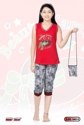 Girls Printed Capri Set