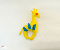 Giraffe Shaped Felt Fridge Magnet