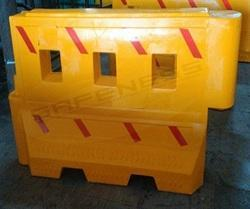 Red/Yellow/White Water Fillable Barriers