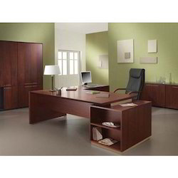 Executive Desk, Size: 3 x 2 Feet
