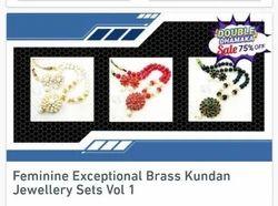 Feminine Exceptional Brass Kundan Jewelry Sets