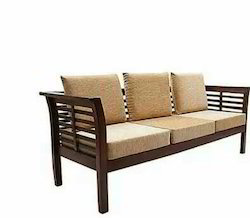 Wooden Sofa With Kushan