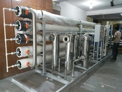 Reverse Osmosis R.O. Plant 25 m3 / Hr, Water Storage Capacity: 4000 L