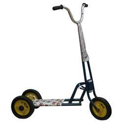 Iron 3-15 Year Tricycle Scooter, Size: 1-3 Yr