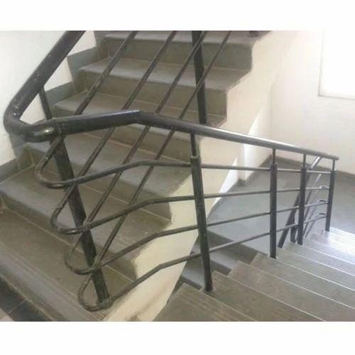 Landing Staircase Modular Stair Railing, Rs 250 /square