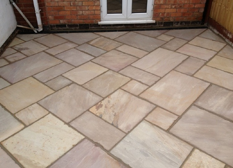White And Green Rippon Paving Stone, For Deck