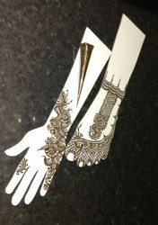 White Practise Henna Hand for & Parlour