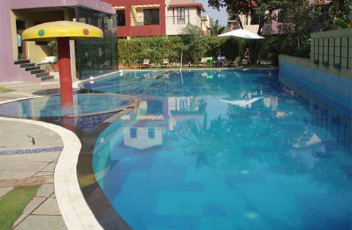 Club house swimming pool view specifications details - Club mahindra kandaghat swimming pool ...