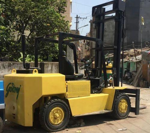Godrej Forklift 5 Ton - View Specifications & Details of Godrej