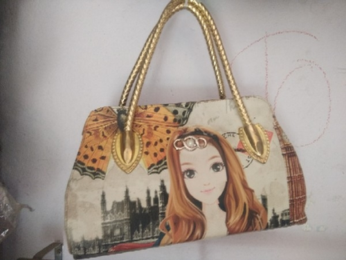 ce5527ffc3e8 Ladies Printed Handbags