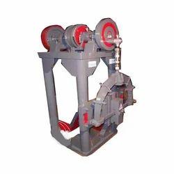 Loha Pitne Ka Machine