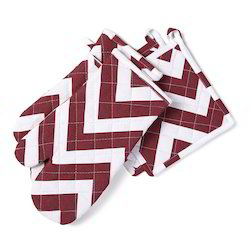 Chevron Printed Oven Glove And Mitt