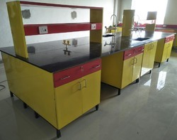 Laboratory Center Table