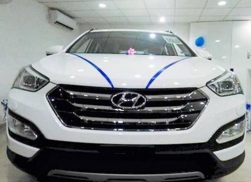 Four Wheeler Car Elantra Retail Showroom From Patna