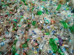 Pet bottles bails