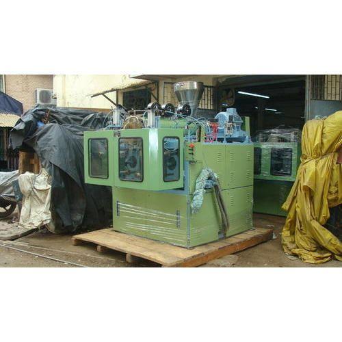 Thermoplastic Blow Molding Machine