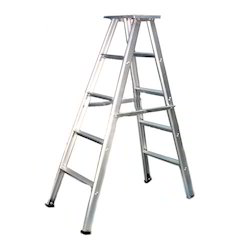 Self Supporting Pipe Step Ladder