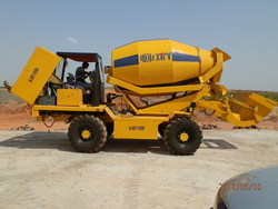 Self Loading Concrete Mixer Truck Self Loading Transit