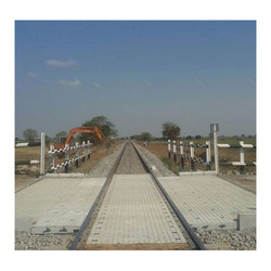 Grey Outdoor Railway Paver Block, For Pavement, Thickness: 80mm