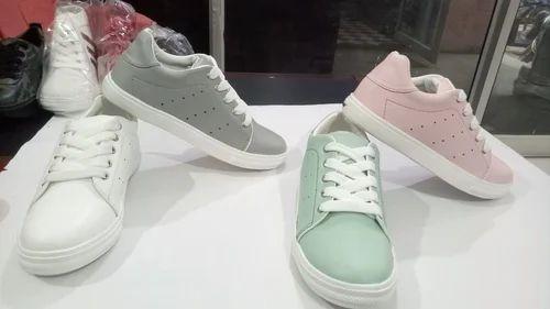Girls Shoes - Girls sneakers Wholesaler from Delhi