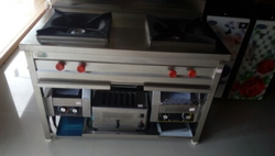 Silver Ss Two Burner Gas Range, Size: 45 x 24 x 32 Inch, for Hotel