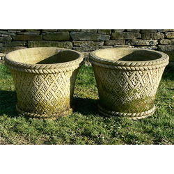 Stone Planters - Marble Stone Planters Manufacturer from Jaipur