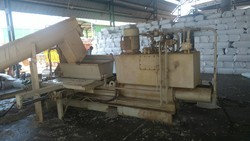 Karunanand Semi Automatic Bagging Machine