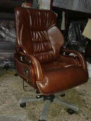 Alpha Chooglat colour black Boss Chair