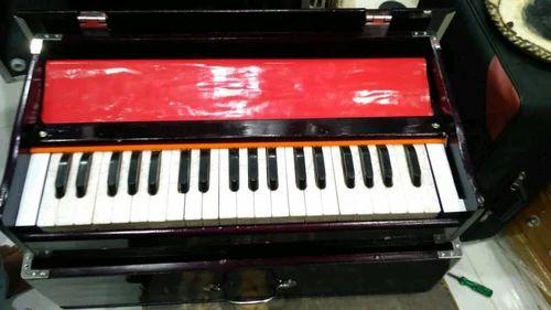 Musical Harmonium & Music Harmonium Wholesale Trader from