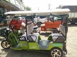 4 Seater Battery Type Three Wheelers Vehicle