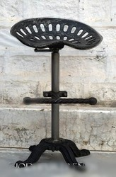 黑色工业铸铁拖拉机座位酒吧,凳子和椅子