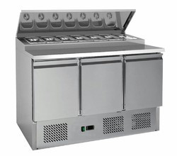 Preparation Counters & Pizza Make Line
