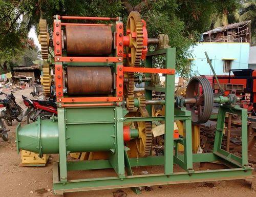 Atchaya 400/d.c (engine attached) wirecut Clay Brick Making Machine