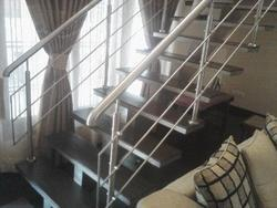 Silver Indoor SS Stair Railings