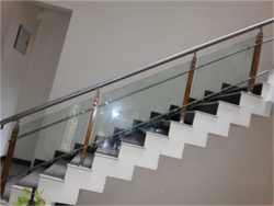 Wooden Glass SS Railing